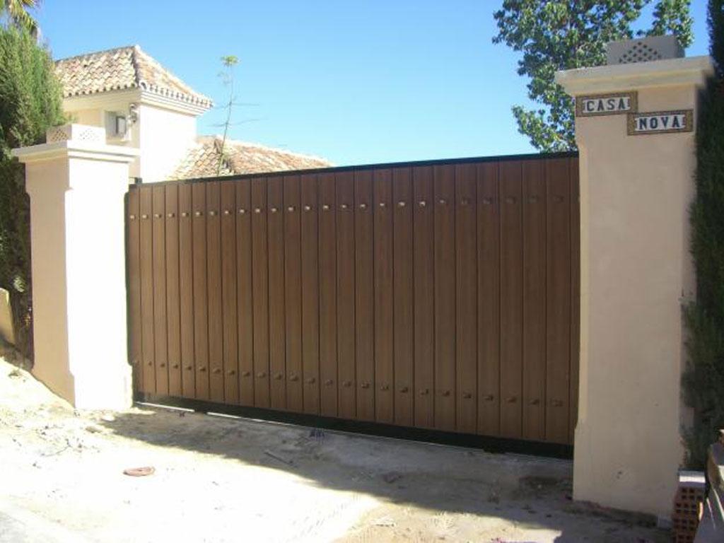 Anuncios de puertas de madera nuevas para interiores clasf for Puertas de madera interiores